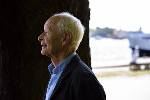 Guus Kuijer, författarporträtt. Fotograf Stefan Tell
