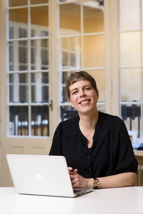 Johanna Lindbäck, författarporträtt för Lilla Piratförlaget 2013. Fotograf Stefan Tell