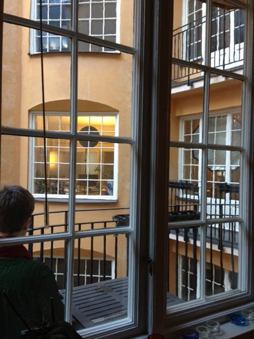 behind-the-scenes-balkong-ljussättning