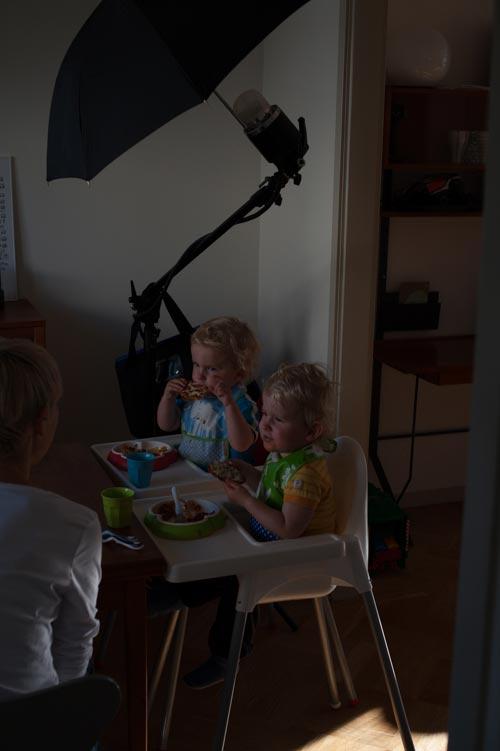 bakom-kulisserna-hemmastudio-från-sidan-utan-blixt