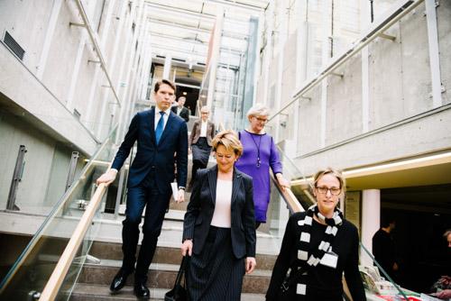 ALMA-Kulturministern-i-trappan-på-KB