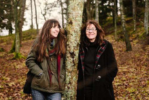 författarporträtt-Lisa-Moroni-Eva-Eriksson_tillsammans-i-skog-Bonnier-Carlsen