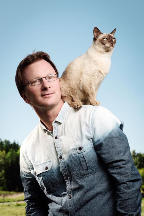 Bo-Söderström_författarporträtt-Hur-tänker-din-katt