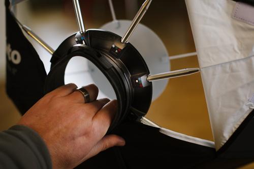 detaljbild-test-Profoto-OCF-beautydish-speedring-deflektor-vit