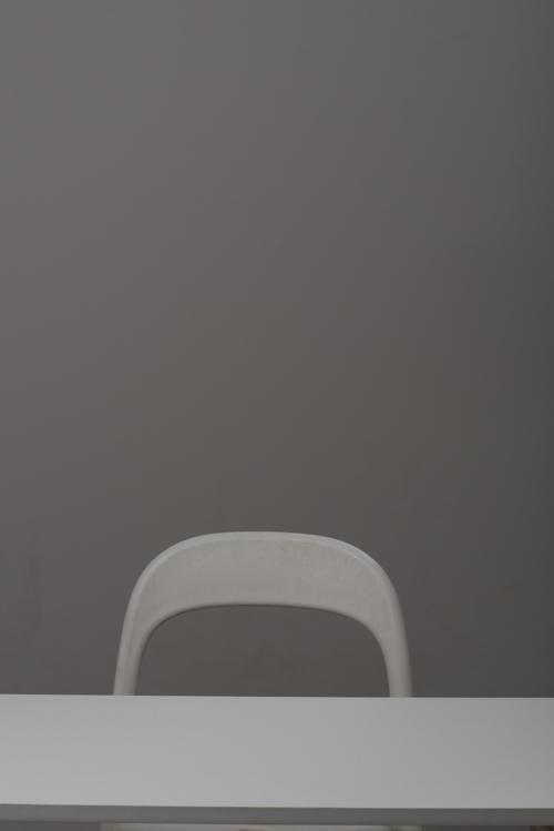 första-testbilden-två-blixtar-profoto-stol-bord
