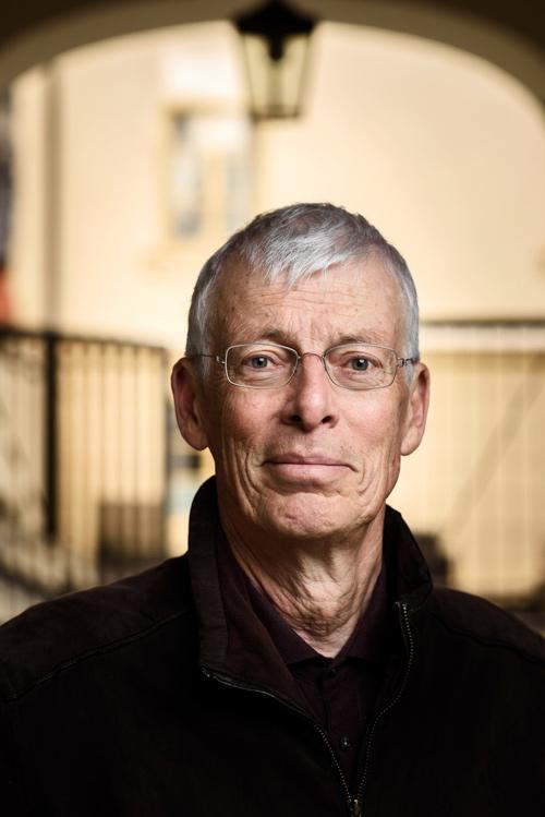 porträtt författare poet Jesper Svenbro portal ansiktsporträtt