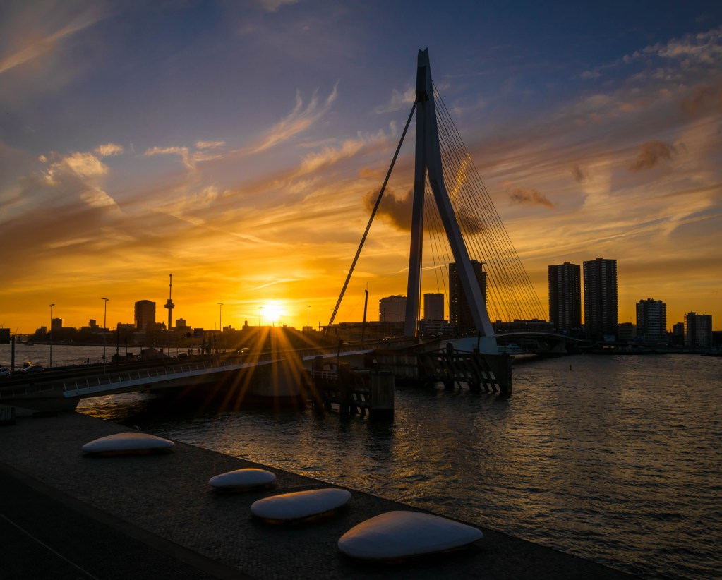 Sunset at the famous Erasmusbrug in Rotterdam.