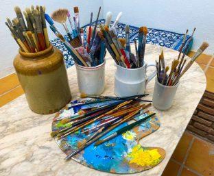So many brushes