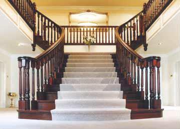 Scara interioară dubla din lemn masiv sculptat scari interioare de lemn