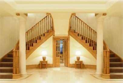 Design interior pentru scări din lemn masiv