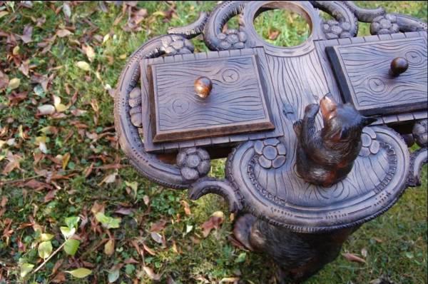 Masa de fumator - urs - colectia Black Forest
