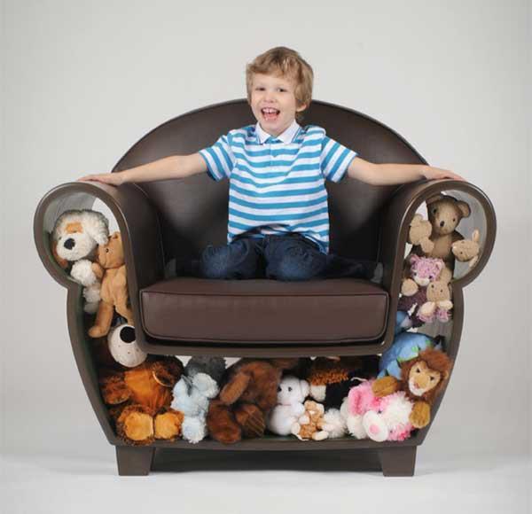 Fotoliu pentru copii cu jucarii - camera copiilor