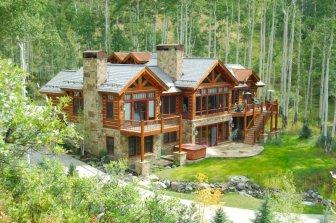 Cabana pe structura de grinzi de Douglas
