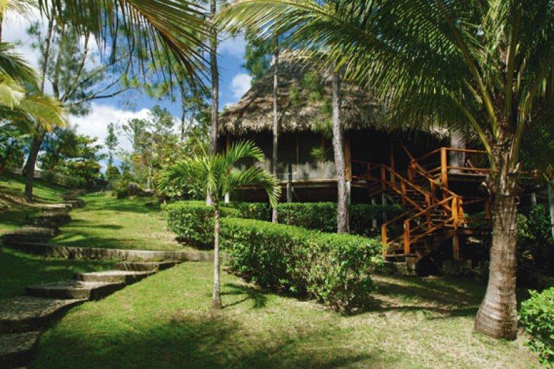 blancaneaux lodge cabana exotica de lemn
