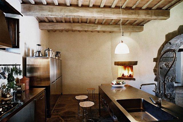 bucatarie moderna in casa veche