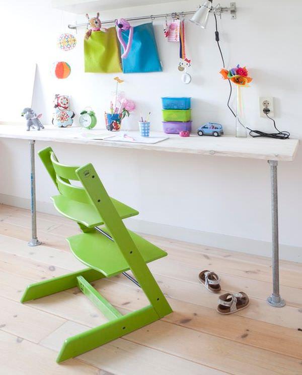 camera colorata pentru copii