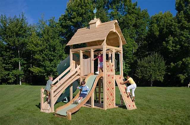 Locurile de joac pentru copii construite pornind de la o c su a de lemn for Juegos de jardin vintage
