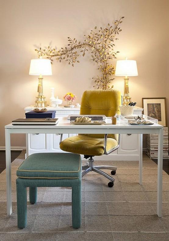 birou cu culori calde