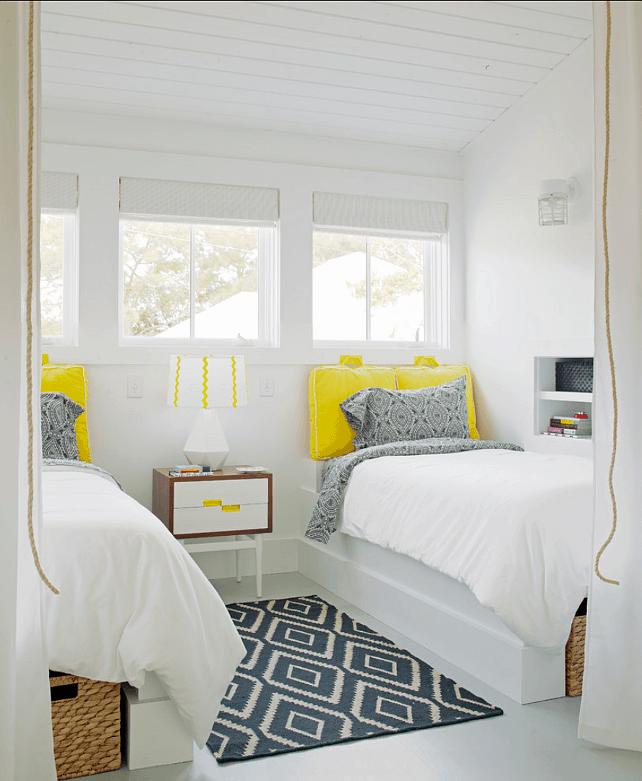 dormitor cu accente galbene