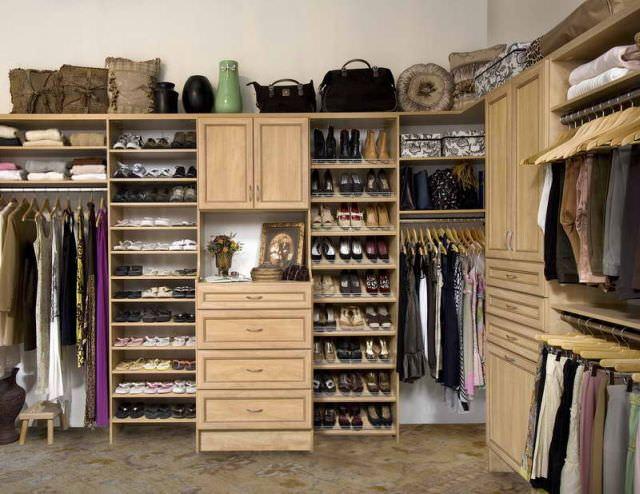 Amenajarea spațiului de depozitare pentru haine