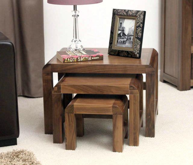 mobila din lemn de castan