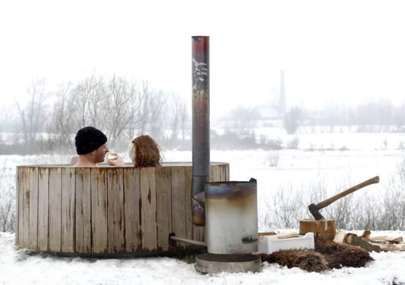 cadă din lemn cu încălzire pe lemne