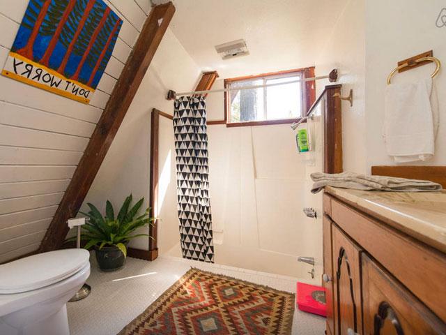 baie luminoasă in spatiu mic
