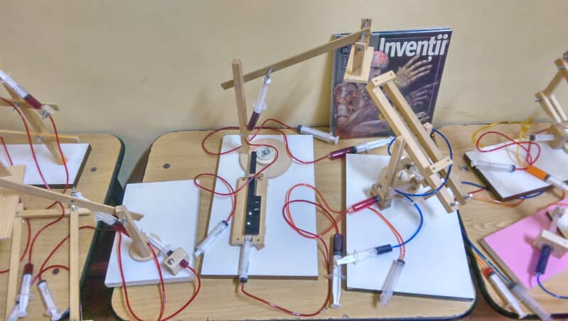 inventii - mecanisme din lemn
