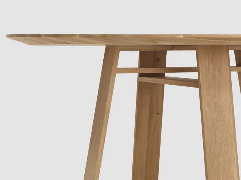 Gazina masa din lemn masiv