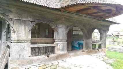 biserica din stejar din Coruia Maramures