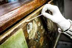 lada de zestre veche restaurata