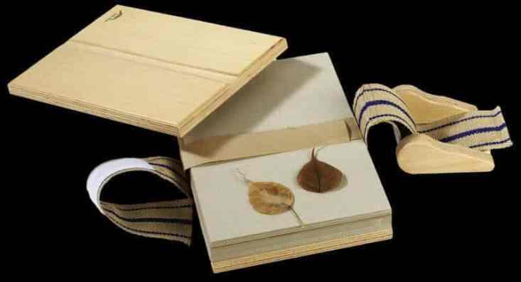 ierbar - presa din lemn pentru plante