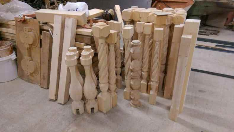 balustri din lemn sculptati la CNC
