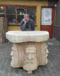 Gabi Rizea - masa sculptata