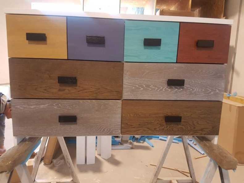 corpuri din stejar cu sertare si usi paletarul de culori