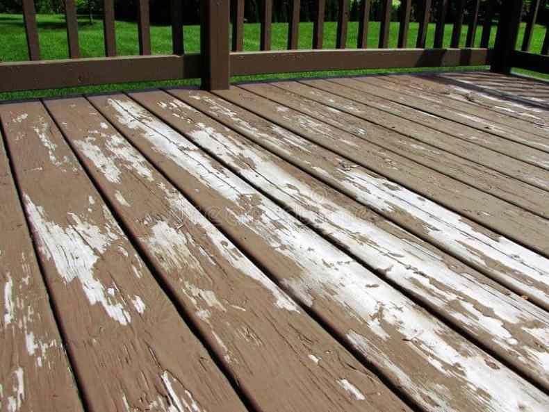 deck din lemn cu vopsea fara dioxid de titan