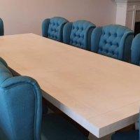 masă din stejar cu scaune tapițate