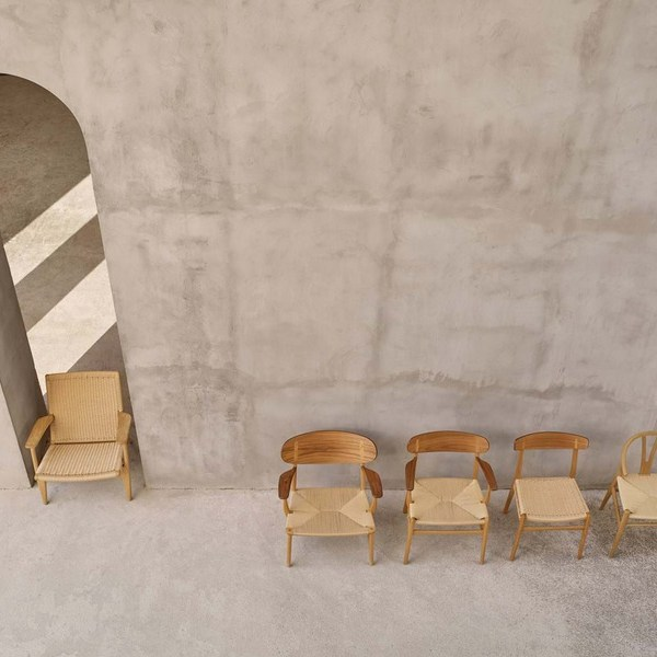 CH 24 - Wishbone Chair