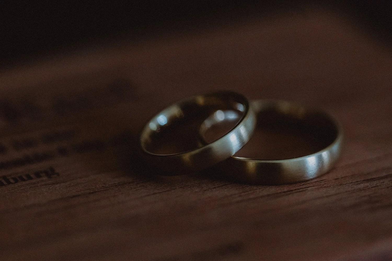 Hochzeit von Svea und Robin  Freie Trauung auf dem Gut