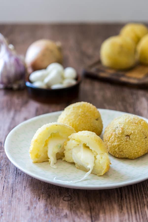 croquettes de pommes de terre avec cœur a la mozzarella