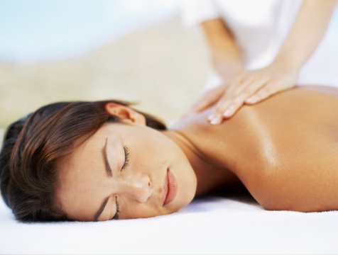 How to Massage the Upper Back Muscles
