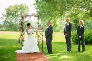Un mariage émouvant au Mouton Village