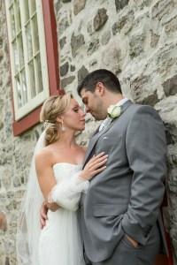 Photo de nouveaux mariés prise au canal Lachine par Stéphane Lemieux Photographe de Mariage Montréal