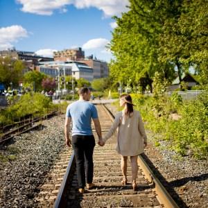 Couple d'amoureux dans le Vieux-Montréal par Stéphane Lemieux photographe