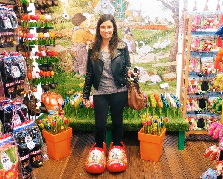 Giant clogs, Bloemenmarkt
