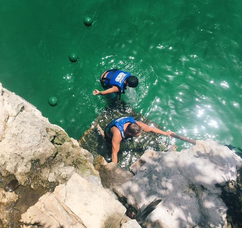 Cliff jump, Xel ha