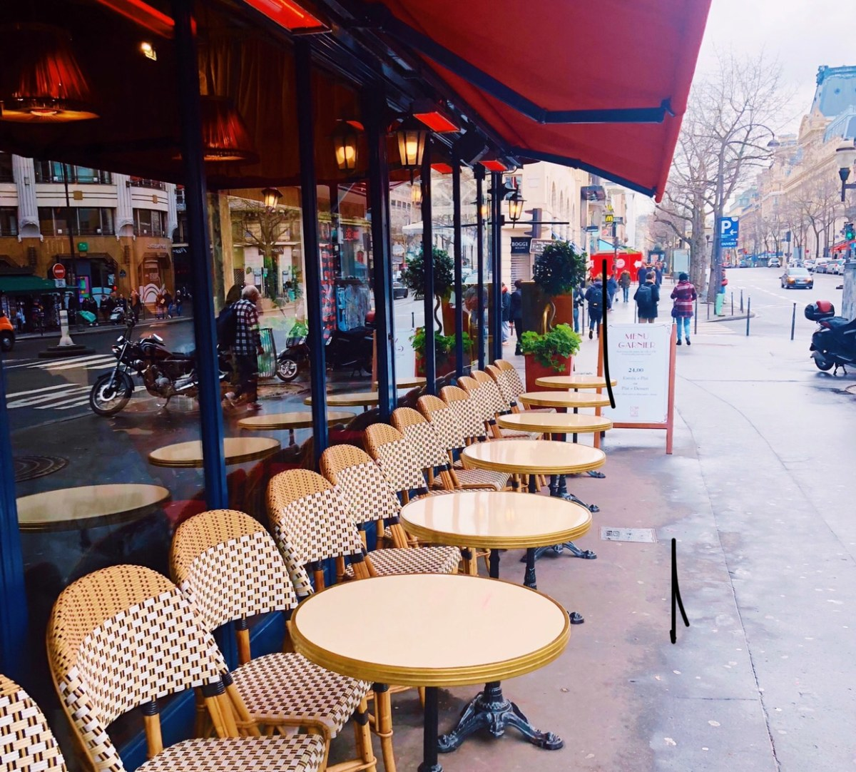 24 hours in Paris