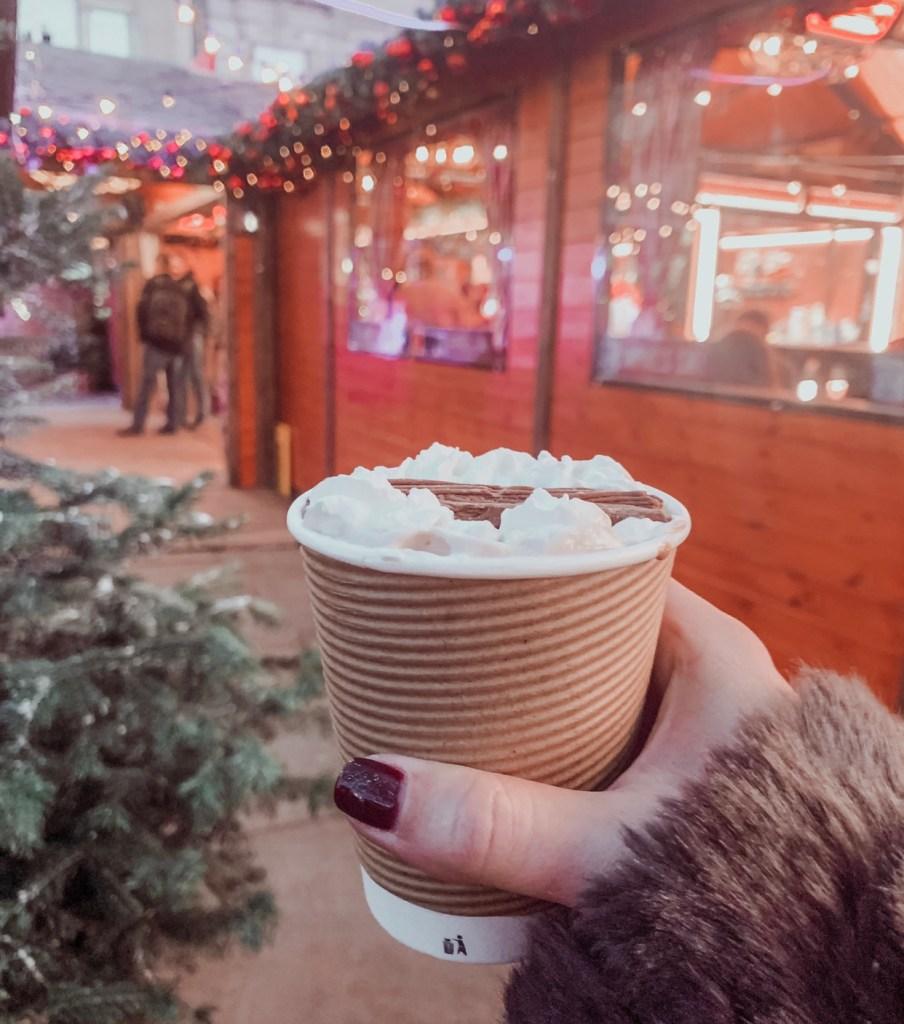 hot chocolate apres ski bar
