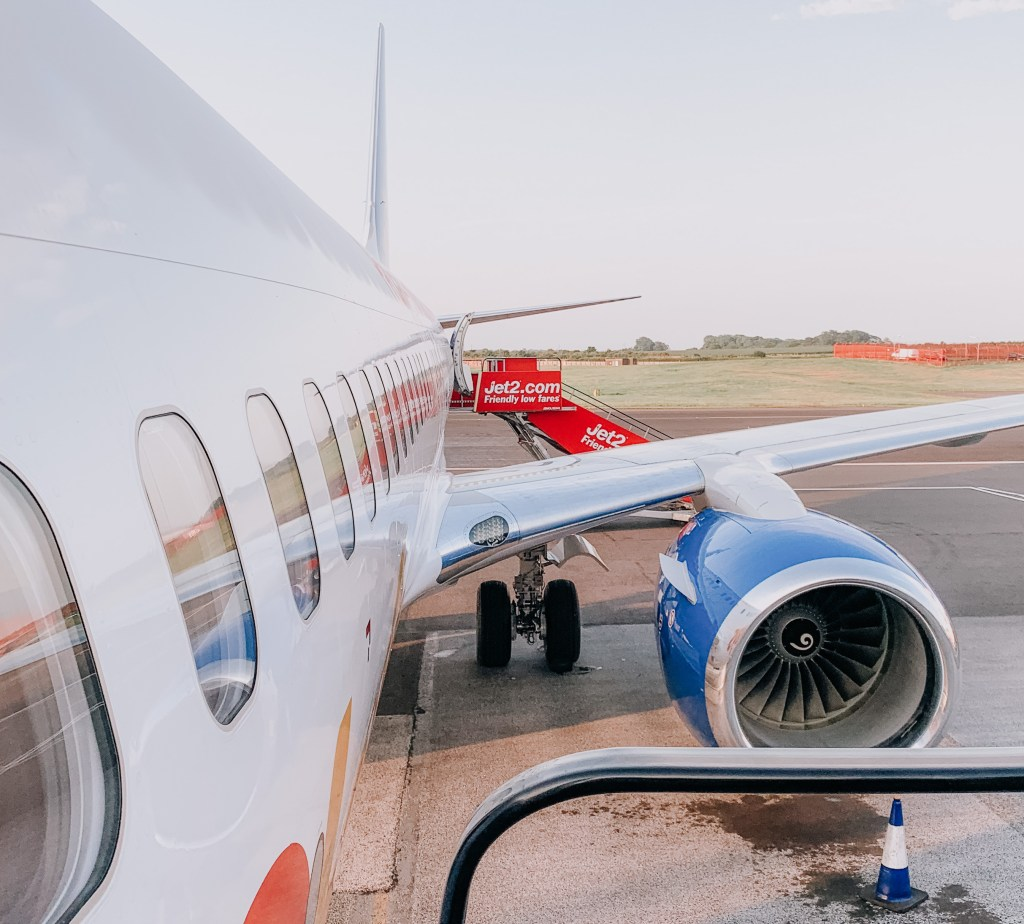 jet 2 plane newcastle airport