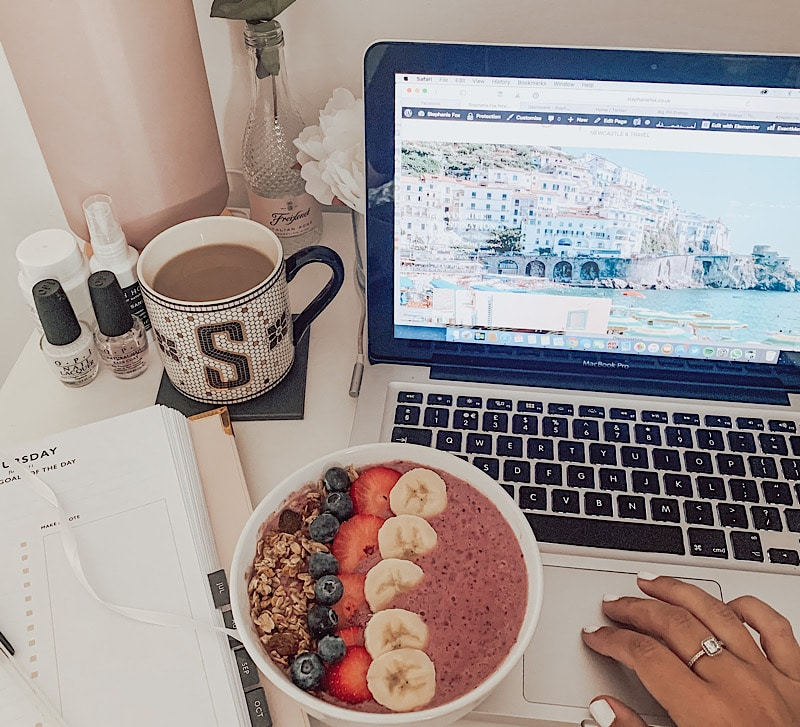 smoothie bowl and laptop